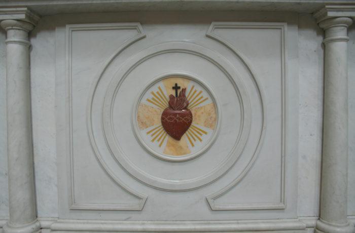 Particolare altare Sacro Cuore